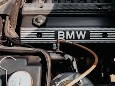 Заправка кондиционера BMW в специализированном автосервисе